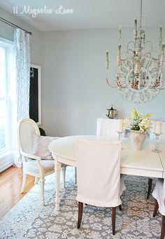Dining Room Decor and Rug | 11 Magnolia Lane