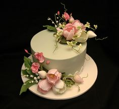 Cake with flowers.
