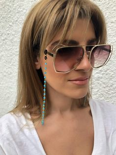 Sunglasses chain from a unique rosary with turquoise beads and gold chain. You can put it in every pair of sunglasses that you wish. Womens Fashion Online, Latest Fashion For Women, Fake Glasses, Glasses Frames, Moon Jewelry, Beaded Jewelry, Outfit Trends, Sunglass Frames, Turquoise Beads