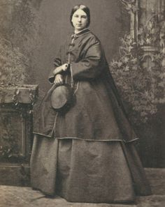 CDV-Prim-Pretty-Young-Victorian-Lady-by-James-Mudd-of-MANCHESTER-Photograph