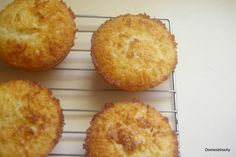 Domesblissity: Kiwifruit, Coconut & Lime Cakes