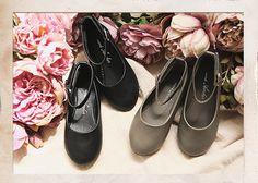 Amber Olivia Shoes (2C)