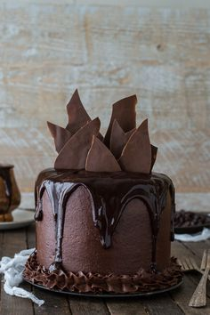 fullcravings:  Chocolate Chocolate Cake