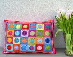 Mini-Square-Kissen by Elealinda-Design - pillow with mini granny squares www.elealinda-design.de
