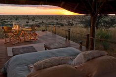 Hotel-hotel Impian Pilihan National Geographic Tswalu Kalahari/National Geographic Unique Lodges of the World Resorts, Game Reserve South Africa, Les Seychelles, The Places Youll Go, Places To Visit, Bon Plan Voyage, Loire Valley, Destinations, Sleeping Under The Stars