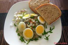 Kuřecí rosol s vařeným vejcem a zeleninou - eKucharka.cz Junk Food, Eggs, Breakfast, Morning Coffee, Egg, Egg As Food, Morning Breakfast