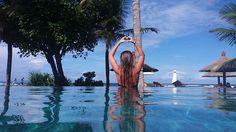 WEBSTA @ _luciarmn_ - 💙#pool#blu#sea#sky#ayodyaresort#heart#me#wonderful#allinmyheart#instagood#instamoments#nusadua#bali