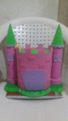 Castelo feito com eva! Ficou lindo