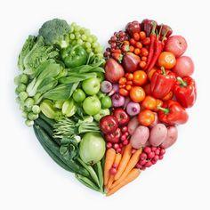 """El ejercicio físico y la alimentación es una pareja """"condenada"""" a llevarse siempre bien. Vegetales verdes y rojos!!"""