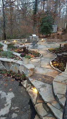 Flagstone patio steps outdoor living ideas for 2019 Stone Patio Designs, Backyard Patio Designs, Pergola Patio, Backyard Landscaping, Patio Decks, Patio Steps, Slate Patio, Concrete Patio, Flagstone Walkway