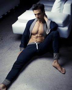Bed Men have got to be comfy in bed so many opt for their usual choice of undies or perhaps sleep naked! Here at DGU we think men's pyjamas are making a comeback but please fellas, make your loungewear or nightwear choice a chic one.