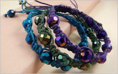 Macrame Techniques Knit Bracelet, Macrame Bracelets, Jewelry Bracelets, Craft Projects For Kids, Craft Ideas, Do It Yourself Jewelry, Jewelry Crafts, Jewelry Ideas, Micro Macrame