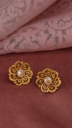 Handcrafted floral earrings accented with pearls Gold Jhumka Earrings, Jewelry Design Earrings, Gold Earrings Designs, Antique Earrings, Stud Earrings, Gold Ring Designs, Gold Bangles Design, Gold Jewellery Design, Pearl Ring Design
