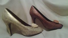 Edible Chocolate Shoes. Perfect as Bridesmaid's gifts.available at www.sayitwithchocolates.com/shoes.html