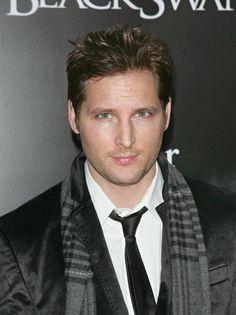 Peter Facinelli.. aka.. Carlisle Cullen, I want to be a Cullen :)