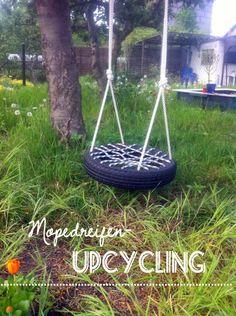 Upcycling Kinderschaukel aus Reifen / Swing made of car tyre (Diy Outdoor Kids) Diy Tire Swing, Tire Swings, Backyard For Kids, Diy For Kids, Tire Playground, Playground Ideas, Childrens Swings, Swings For Kids, Tire Garden