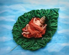 Indian newborn baby boy floating on leaf in water with crown and pearls. Baby ImaginArt baby scene Precious Baby Photography Angela Forker unique Fort Wayne New Haven Indiana Monthly Baby Photos, Newborn Baby Photos, Baby Boy Photos, Cute Baby Pictures, Baby Boy Newborn, Monthly Pictures, Art Pictures, Cute Babies Photography, Newborn Baby Photography