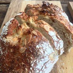 Pão com amêndoas e nozes  #pao #bread #pinfood #foodporn #food #cafedamanha