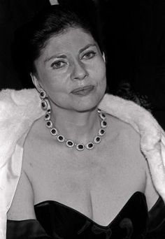 Soraya................http://www.pinterest.com/madamepiggymick/arab-royalty-iran/