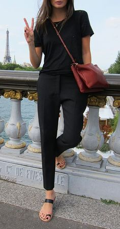 Spring casual style outfit idea: top + pants + bag