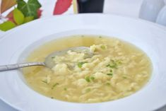 Eintropfsuppe - New Site Healthy Chicken Recipes, Soup Recipes, Healthy Soup, Rose Potato, Austrian Recipes, Austrian Food, Beef Sandwich, What To Cook, I Foods