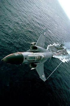 McDonnell Douglas F-4 Phantom II via Aero-Pictures.More Airplanes here.
