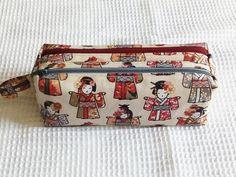 Trousse Zip-Zip à poupées japonaises cousue par Nadeige - Patron Sacôtin