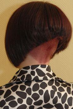 Stacked Bob Hairstyles, Cool Hairstyles, Short Bob Styles, Long Hair Styles, Short Stacked Bobs, Short Bobs, Shaved Nape, Summer Haircuts, Inverted Bob