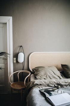 Home Interior Living Room Hipster Rooms, Home Bedroom, Bedroom Decor, Modern Bedroom, Bedrooms, Wall Decor, Interior Minimalista, Dreams Beds, Quartos