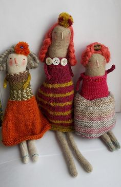 Ravelry: Melstacey's Shetland girls love these knitted rustic plushie dolls Knitted Dolls, Crochet Toys, Knit Crochet, Knitting Projects, Knitting Patterns, Little Doll, Soft Dolls, Soft Sculpture, Fabric Dolls