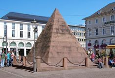 Karlsruhe Pyramid in Karlsruhe, Germany. The pyramid over the tomb of Charles III William, founder of city, was erected in Cities In Germany, Visit Germany, Germany Travel, Holidays Germany, Germany Fashion, The Ancient One, Worldwide Travel, D Day, Travel Bugs