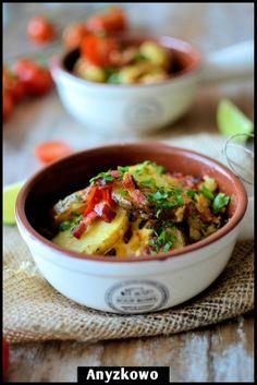 Anyżkowo: Peasant food:  potatoes, bacon, and eggs
