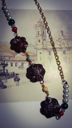 I LOVE SALAMINA...Colección de collares en piedras semi-preciosas y talla en madera...100% artesanales 100% RIOS URBANOS. Productos únicos como tú