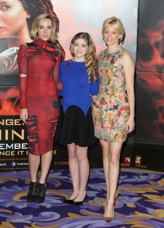 The 'Catching Fire' Photocall in London: http://www.panempropaganda.com/movie-countdown/2013/11/11/the-hunger-games-catching-fire-photocall-in-london-3.html