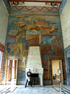 Huge murals depict hardworking Norwegians fill much of the interior spaces in Oslo City Hall