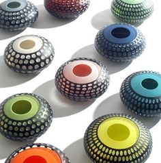 bol: glass: karen ellett Glass Etching, Etched Glass, Cast Art, Vases, Clay Creations, How To Make Beads, Polymer Clay Jewelry, Lampwork Beads, Bead Art
