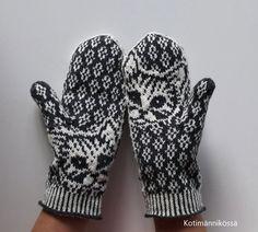 yökyöpelit Knitted Mittens Pattern, Knit Mittens, Gloves, Socks, Knitting, Hot, Patterns, Happy, Fashion