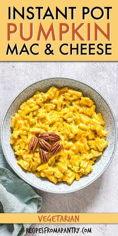 Creamy and cozy and oh-so-delicious Instant Pot Pumpkin Mac and Cheese recipe is a favorite one-pot pasta recipe that is chock full of flavorful pumpkin and fall spices. This pressure cooker pumpkin mac and cheese is quick, comforting, and super easy to make. We're talking less than 10 minutes of prep and effort! Ideal for entertaining and a great weekly meal prep solution. Click through to get this awesome Instant Pot Pumpkin Mac and Cheese recipe!! #instantpot #pumpkinmacandcheese… Best Instant Pot Recipe, Instant Pot Dinner Recipes, Supper Recipes, Brunch Recipes, Pasta Recipes, Beef Recipes, Soup Recipes, Chicken Recipes, Healthy Recipes