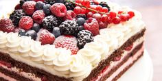 Sour Cream Layer Cake With Sweet Cream and Berries Italian Cake, Bakery Cakes, Bakery Recipes, Pie Dessert, Let Them Eat Cake, How To Make Cake, Sour Cream, Sweet Recipes, Sweet Treats