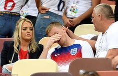 Jordan Pickford breaks down with his girlfriend Megan Davison after the 2018 FIFA World Cup Russia Semi Final match between England and Croatia Gareth Southgate, Semi Final, Fifa World Cup, Football Team, Croatia, Girlfriends, Russia, England, Hero