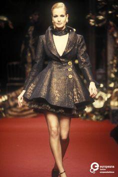 45 Ecaille Christian Dior, Autumn-Winter 1994, Couture   Christian Dior Christian Dior, Autumn-Winter 1994, Couture   Christian Dior