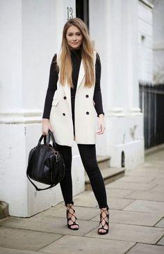 Sleeveless Fashion Trend: Sarah Ashcroft is wearing a white sleeveless Mac bershka jacket Sleeveless Blazer Outfit, Sleeveless Jacket, Blazer Outfits, Fall Outfits, Casual Outfits, Fashion Outfits, Fashion Trends, White Vest Outfit, Fashion Bloggers