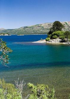 Aluminé Lake (Lago Aluminé)   Villa Pehuenia   Neuquén   Argentina - Artista Flores Places To Travel, Places To Visit, Argentina Travel, Canada, Solo Travel, Beautiful Landscapes, Strand, Wonders Of The World, South America