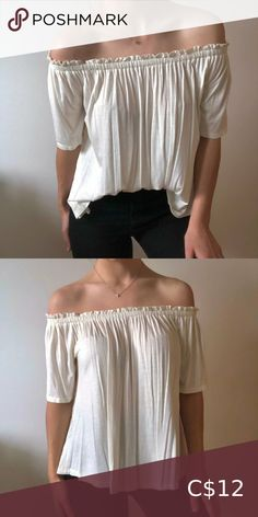 Ardene Strapless Flowy top Very stretchy elastic top band Ruffled top edge Worn once Great Condition Can be worn tucked in for an elegant look Ardene Tops Tees - Short Sleeve Top Band, Flowy Tops, Plus Fashion, Fashion Tips, Fashion Trends, Ruffle Top, Elegant, Tees, Sleeve
