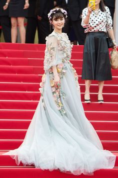 Fan Bingbing chose a dress from Marchesa's spring/summer 2015 collection for the red carpet.