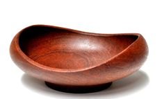 Designed by Finn Juhl in Mid-century modern. Vintage Bowls, Wood Turning Projects, Wood Bowls, Plates And Bowls, Wood Art, Teak, Hand Carved, Mid-century Modern, Mid Century
