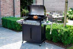 BRAHMA 5.2 Ceram by #Barbecook : pour bien recevoir au jardin ! Monté sur roulettes et tout équipé avec son couvercle et sa cuve émaillée, ce barbecue est l'as du barbecue au gaz. En plus : un brûleur rôtissoire 2,7 kW avec set rôtissoire à piles et une plaque plancha en fonte émaillée...  [Prix : 599 € - existe aussi en version Inox - www.barbecook.com]