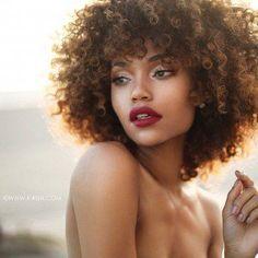 Peinados pelo rizado afro