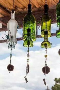 Make Your Own Wine Bottle Wind Chime – Wine bottle wind chimes Wine Bottle Chimes, Empty Wine Bottles, Recycled Wine Bottles, Wine Bottle Art, Glass Bottle Crafts, Diy Bottle, Paint Wine Bottles, Wine Bottle Fence, Wine Bottle Lanterns