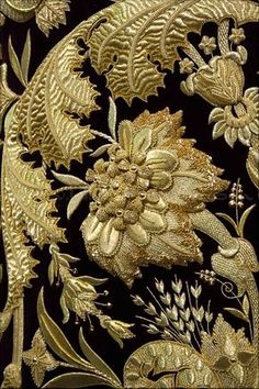 ALBUM... SEVILLA Zardozi Embroidery, Couture Embroidery, Gold Embroidery, Vintage Embroidery, Embroidery Patterns, Medieval Embroidery, Or Noir, Embroidery On Clothes, Gold Work